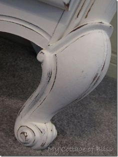 How To Paint Furniture - thorough tutorial explains everything you need to know…