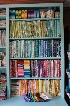 use comic book backer boards to organize fabric stash Sewing Room Storage, Sewing Room Organization, Craft Room Storage, Fabric Storage, Sewing Rooms, Book Storage, Storage Ideas, Fabric Boxes, Fabric Basket