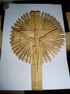 Artes com madeira e pregadores