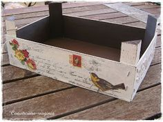 With another air - Basket And Crate Diy Wood Box, Wood Boxes, Pallet Furniture Plans, Fruit Box, Decoupage Vintage, Altered Boxes, Vintage Wood, Painting On Wood, Crates