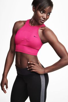 We support all your sass. Strike yoga, Pilates, or barre power poses in the form-fitting Nike Dri-FIT Knit Bralette, with extra length for stay-put style.