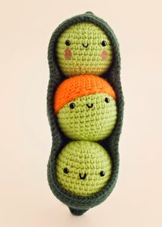 Website in Spanish | designer said she based this pattern on Ana Paula Ramoli's book Amigurumi 2 (~$9 from Amazon) | Amigurumi Peas in a Pod | Crochet Pattern / Patrón en español