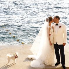 Once you've picked out your ideal wedding locale overseas, the next step is figuring out how to plan a destination wedding miles away from home. Here are 11 tips for planning a destination wedding! Event Planning Template, Event Planning Quotes, Event Planning Business, Destination Wedding Usa, Wedding Planner, Wedding Destinations, Branding, Wedding Bridesmaid Dresses, Tulle Wedding