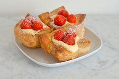 Lekker recept voor aardbeienschelpen van bladerdeeg met banketbakkersroom.