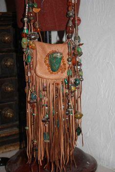 showdiva designs Medicine Bag Belt Necklace Turquiose and STERLING n TONS Fringe n Beads Galore by showdiva on Etsy Boho Hippie, Estilo Hippie, Hippie Bags, Boho Bags, Boho Gypsy, Hippie Style, Bohemian, Hippie Purse, Botas Boho