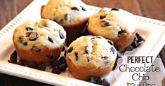 I looooove chocolate chip muffins. However, I realize that, while hard to swallow (pun intended), not everyone  loves chocolate as much as ...