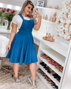 Buying plus size clothes are not easy. The biggest problem with buying clothes for women with the plus-size is either n… Tartan Skirt Outfit, Demin Dress, Dress Up Jeans, Skirt Outfits, Chic Outfits, Modest Fashion, Hijab Fashion, Fashion Outfits, Curvy Girl Outfits