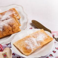 Vorarlberger Funkaküachle Austrian Recipes, French Toast, Muffins, Cookies, Breakfast, Ethnic Recipes, Desserts, Crepes, Food