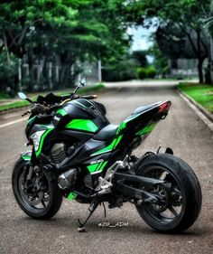 Developing technology and new cars technologies, actual car news, of your car problems and solutions. All of them and more than on begescars. Yamaha Motorbikes, Yamaha Bikes, Motos Kawasaki, Kawasaki Motorcycles, Scooter Motorcycle, Moto Bike, Super Bikes, Moto Wallpapers, Z 800