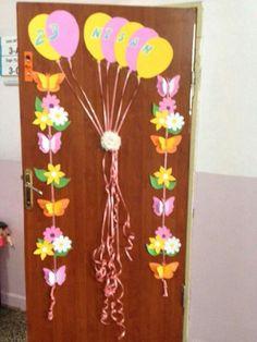 Birthday Door, Classroom, Easter, Wreaths, Craft, Decorated Doors, Pictures, Class Room, Door Wreaths
