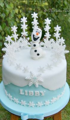 Do you wanna build a snowman? Cake