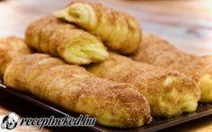 Fahéjas-pudingos rúd recept Receptneked konyhájából - Receptneked.hu Eat Dessert First, Bread Rolls, Something Sweet, Hot Dog Buns, Bread Recipes, Rum, Food And Drink, Baking, Drinks