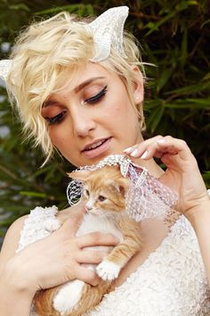 Breaking: A Bunch Of Kittens Attended A Wedding #refinery29  http://www.refinery29.com/2014/08/73140/cat-wedding-happily#slide6  As promised, here is a kitty wearing a veil.