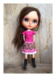 Blythe outfit. leather top and skirt