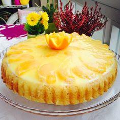 Akrabalar günümüz için yaptığım portakallı pamuk prenses pastam tarifini soranlar için tekrar yayınlıyorum. 2 adet yumurta 2 kahve fincanı toz şeker 1 kahve fincanı yoğurt 1 kahve fincanı sıvı yağ 3 kahve fincanı un 1 paket kabartma tozu 1 paket vanilya Kreması için: Yarım lt süt 1 çay bardağı toz şeker 1 adet yumurta 1 yemek kaşığı un 1 yemek kaşığı nişasta 1 paket vanilya Yarım paket krem/labne peynir Jöle için : 3 çay bardağı portakal suyu 2 yemek kaşığı şeker(portakallarınız ekşiyse…