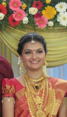 Saranya mohan the kerala bride........