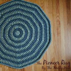 The Pioneer Rug - A Free Crochet Pattern - Whistle and Ivy All Free Crochet, Crochet Home, Crochet Gifts, Single Crochet, Crochet Baby, Crochet Rug Patterns, Stitch Patterns, Crochet Rugs, Crochet Hot Pads