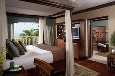 Caribbean Beachfront One Bedroom Butler Suite