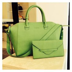 Desino Rise bag and wallet in light-weight apple green vegtan leather