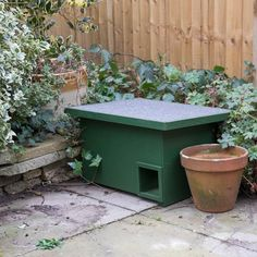 Hedgehog House Plans, Hedgehog Food, Large Beds, Urban Nature, Enchanted Garden, Types Of Houses, Back Gardens, Garden Inspiration, Ideal Home