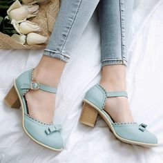 GET $50 NOW | Join RoseGal: Get YOUR $50 NOW!http://www.rosegal.com/pumps/scalloped-faux-leather-bow-pumps-1064382.html?seid=8554373rg1064382