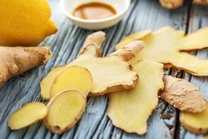 Ingwer Shot – so gesund ist das Trendgetränk Ginger Shot – that's how healthy the trendy drink is Shot Recipes, Snack Recipes, Snacks, Healthy Recipes, Smoothie Shop, Smoothie King, Detox Soup, Health And Nutrition, Child Nutrition