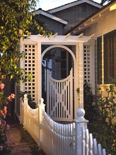 garden fence + gate home-is-where-the-heart-is Arbor Gate, Garden Arbor, Fence Gate, Garden Fencing, Trellis Gate, Outdoor Spaces, Outdoor Living, Patio Fence, Entry Gates