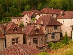 Saint-Cirq-Lapopie   Les plus beaux villages de France - Site officiel.. ...Little town, it's a quiet village...