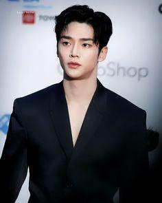 Asian Actors, Korean Actors, Blue Wallpaper Iphone, Someone Like Me, Hello Gorgeous, Beautiful, Korean Men, A Good Man, Kdrama