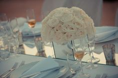 Wedding decoration with white roses in Florence