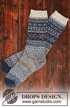 Nordfjord / DROPS - Free knitting patterns by DROPS Design - Knitted socks in DROPS fable. The piece is knitted with a Nordic pattern. Knitting Designs, Knitting Patterns Free, Free Knitting, Free Pattern, Crochet Patterns, Knitting Projects, Cable Knitting, Fair Isle Knitting, Knitting Socks