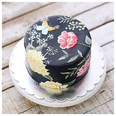 Thank you for ordering weeks in advance. Some dates on September might already fully booked now. Gorgeous Cakes, Pretty Cakes, Cute Cakes, Amazing Cakes, Bolo Floral, Floral Cake, Cake Boarders, Fondant, Painted Cakes