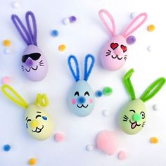 Crafts for Easter with children - wonderful ideas for creative Easter decorations - funny-eggs-tinker children-to-easter-with- - Diy Gifts For Kids, Easter Crafts For Kids, Diy For Kids, Children Crafts, Easter Ideas, Emoji Easter Eggs, Funny Eggs, Diy And Crafts, Arts And Crafts