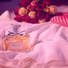 ياصبح صبح لي على منبع الورد قلـــه  صباح  الورد  ي الياسمينا  ثم آنتظر يـااصبح من عنده الرد إن كــان لــه نيـه يصبــح علينا