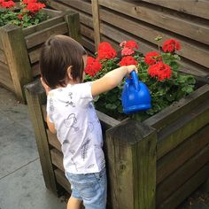 A spot of gardening in our Garden Story t-shirt 💦🌻 Further markdowns in our SALE