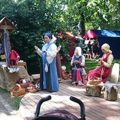 #Turku #keskiaikamarkkinat #keskiaikamarkkinat2016 #turunkeskiaikamarkkinat #medievalmarket #vanhasuurtori #marketplace #keskiaika #MiddleAge #neulakinnastekniikka #nalbinding #kinnasneulatekniikka #naalbinding #muinaistekniikka #ancienttechnology #työnäytös #show #vauvankanssa #withmybaby #hyvässäseurassa #withnicepeople #kesä #summer #loma #holidays #aurinko #sun #hyvämieli #feelinggood