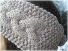 La main dans le sac Fournitures: Un torchon , 50cm de tissus pour doubler le sac , anses en cuir, ruban , mousqueton , fil...
