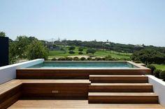pool hors sol escalier