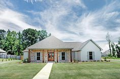 This Ranch-style home is sure to be one of your favorites on your checklist and will be adored by the whole family! The owner of the house will love the master suite with its relaxing master bathroom whether in the huge shower or the bathtub to soak away the stresses of the day. (Plan# 140-1085) #Ranch