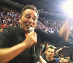 Watch as Beer Guzzlin' Bruce Springsteen Heads Into The Crowd / Busts Out Rarity Seaside Bar Song at Philadelphia Show