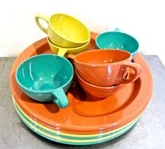 images of colorful old dishes | vintage colorful picnic set – 1950s-60s Gitsware mid century divider ...