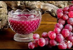 Mixing a good wine and red grapes, you will get a delicious jam. (in Spanish) Red Grapes, Wine Fridge, Marmalade, Punch Bowls, Dips, Clean Eating, Food And Drink, Tasty, Homemade