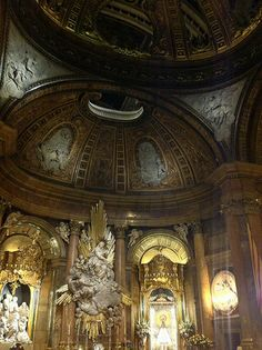The Basilica of Our Lady of the Pillar, Zaragoza, Spain | ... Churches - The Basilica of Our Lady of El Pilar in Zaragoza, Spain
