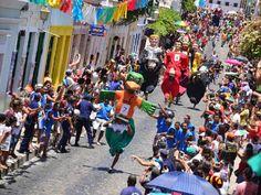 Para agitar o final de semana que antecede o Carnaval em Olinda, uma série de festas e atrações especiais ocupam as ruas da cidade entre os dias 21 e 24 de fevereiro. A entrada é Catraca Livre.