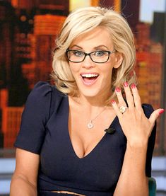 In an interview with Good Day NY, Jenny McCarthy explained why she really left ABC's The View. Jenny McCarthy, said she Jenny Mccarthy Hair, Celebrity Engagement Rings, Engagement Celebration, Girls With Glasses, Celebs, Celebrities, Up Girl, Mi Long, New Hair
