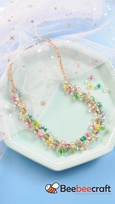 Diy Jewelry Unique, Handmade Wire Jewelry, Diy Crafts Jewelry, Crystal Bead Necklace, Diy Necklace, Crystal Beads, Beaded Necklaces, How To Make Necklaces, Diy Bracelets Easy