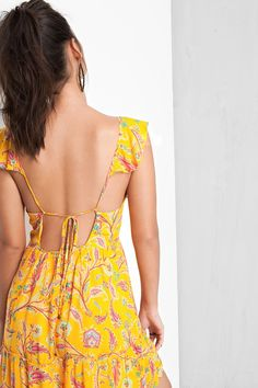 vestido decote estampado naomi Cute Dresses, Casual Dresses, Short Dresses, Casual Outfits, Vogue Fashion, Boho Fashion, Girl Fashion, Indian Designer Outfits, Designer Dresses