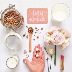 HOW TO MASTER THE FLATLAY: Keep the colors in harmony.