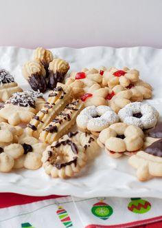Galletas finas Cookie Desserts, Cookie Recipes, Dessert Recipes, Chocolates, Chilean Recipes, Friend Recipe, Decadent Cakes, Special Recipes, Cookies Et Biscuits