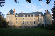 chateau fonteclose la garnache vendee vendee pays de la loire france pinterest chateaus. Black Bedroom Furniture Sets. Home Design Ideas